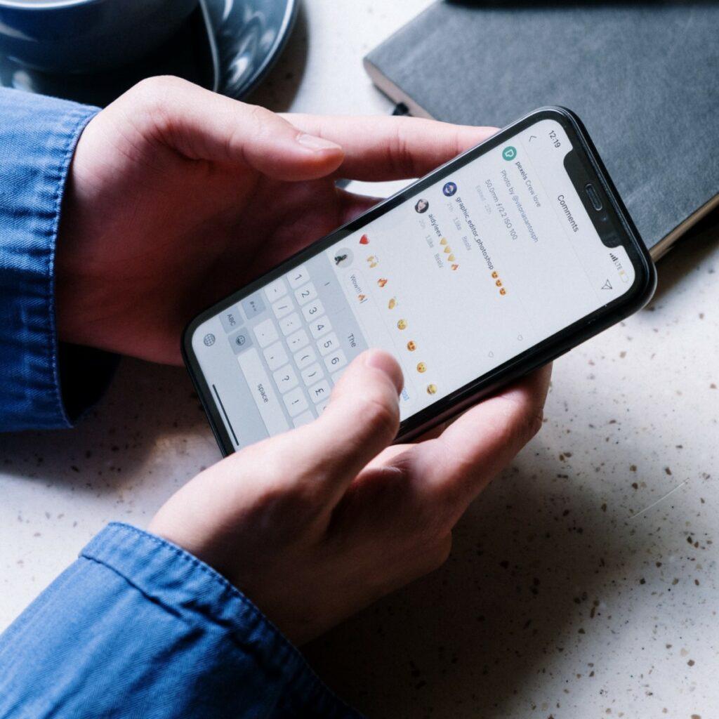 Imagem para ilustrar o texto sobre Era do textão nas redes sociais como escrever boas legendas